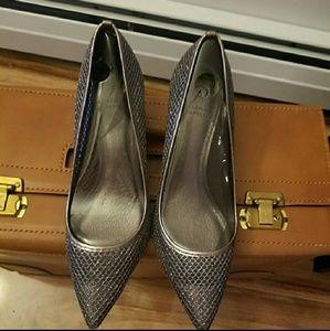 Adrianna papell honeycomb kitten heels
